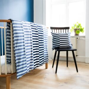 Sengetøj, blå/hvid strib - bySKAGEN